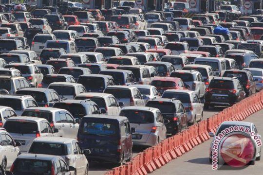 Padat, kendaraan dialihkan keluar Cipali