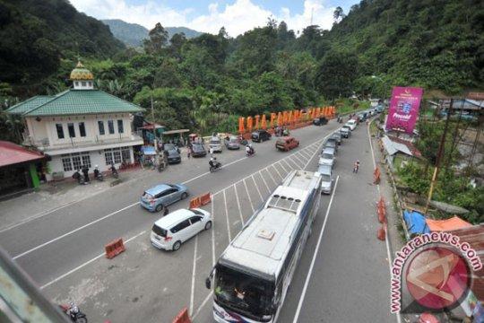 Polisi modifikasi arus lalu-lintas Bukittinggi 31 Desember sore