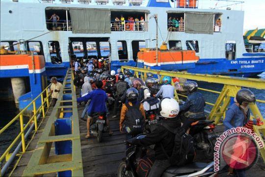 Angkutan barang diberi jeda 12 jam di Ketapang-Gilimanuk