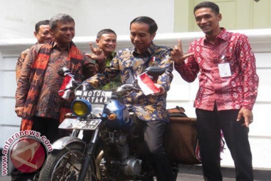 Presiden Jokowi kirim kartu Lebaran ke pegiat literasi