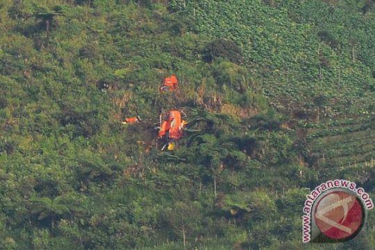 Warga: Helikopter Basarnas terbelah dua
