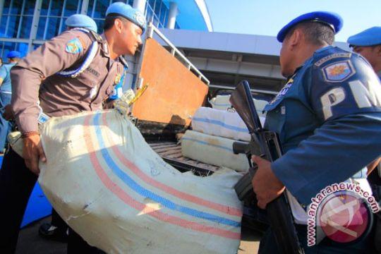 Anggota POM TNI AL gagalkan pengiriman 377 kg ganja asal Aceh