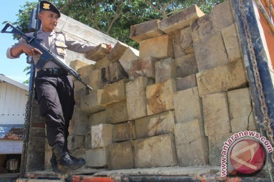 Pengangkut kayu ilegal ditangkap di Aceh Utara