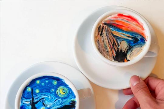 Barista ini buat latte art lukisan terkenal