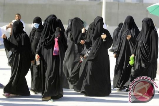 Perempuan Saudi akan diizinkan mengemudikan truk, mengendarai sepeda motor