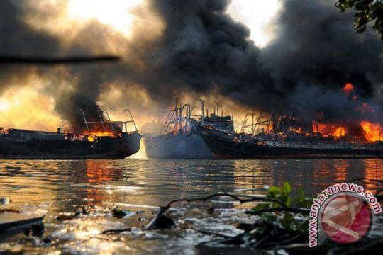 Kapal tanker Iran bisa terbakar habis dalam sebulan