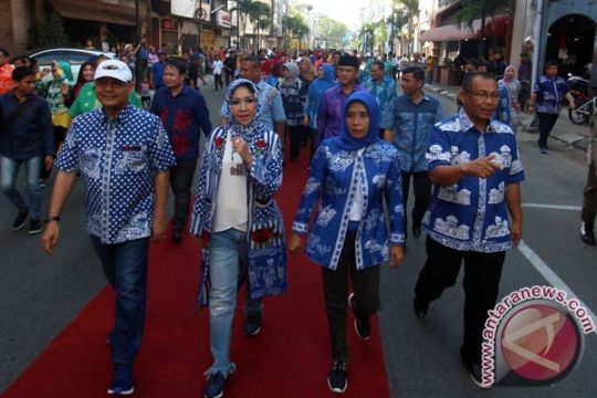 Parade Batik Medan catat rekor MURI