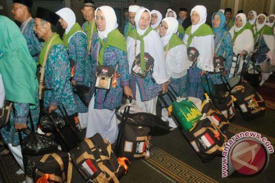Pemberangkatan haji kloter 10 Embarkasi Lombok diundur