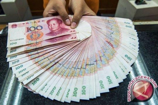 Yuan menguat tipis jadi 6,7035 terhadap dolar AS