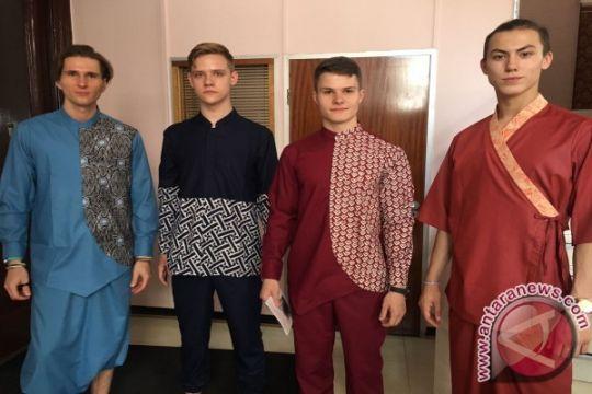 Model Rusia ikut audisi demi peragakan busana Indonesia
