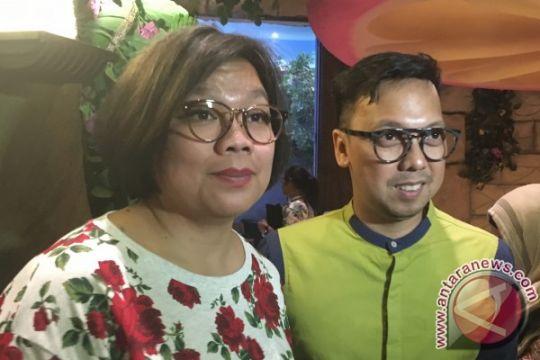 """Tika Panggabean juara panco """"agustusan"""" (video)"""