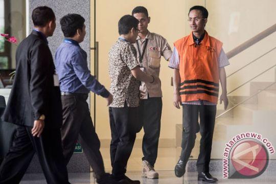 KPK perpanjang penahanan semua tersangka dana desa Pamekasan