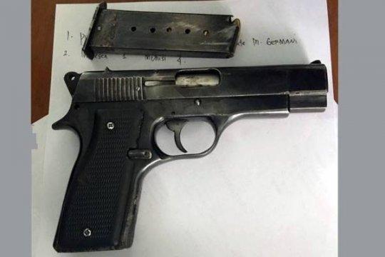 Batalion Infantri 328/DGH sita satu pistol dan airsoft gun dari warga