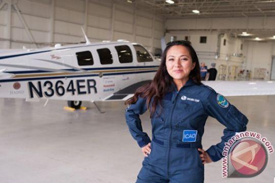 Perempuan pilot keturunan Afghanistan keliling dunia terbang menuju Bali