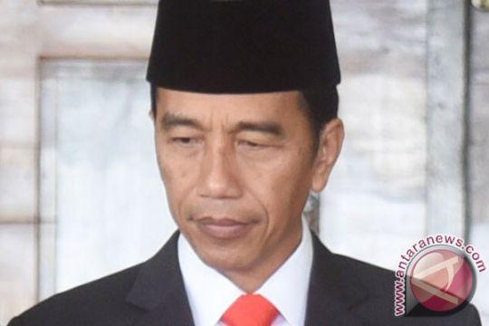 Jokowi awali pagi dengan jalan kaki bersama PM Singapura