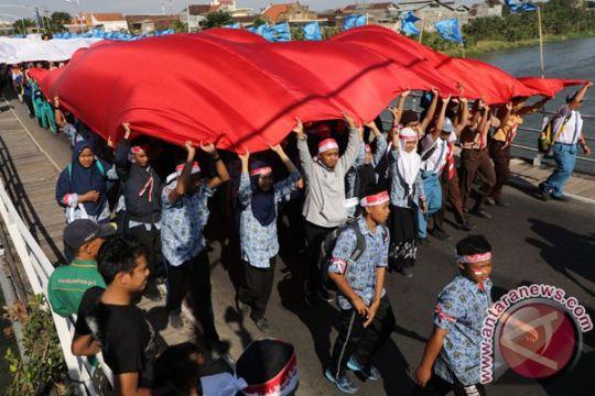 Pemkot gandeng pemuda Kediri kirab bendera raksasa