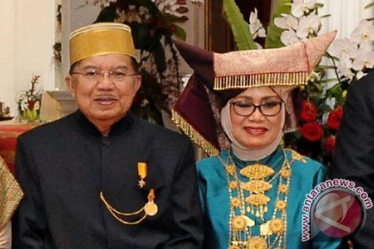 Wapres siapkan hadiah puisi untuk Mufidah Kalla