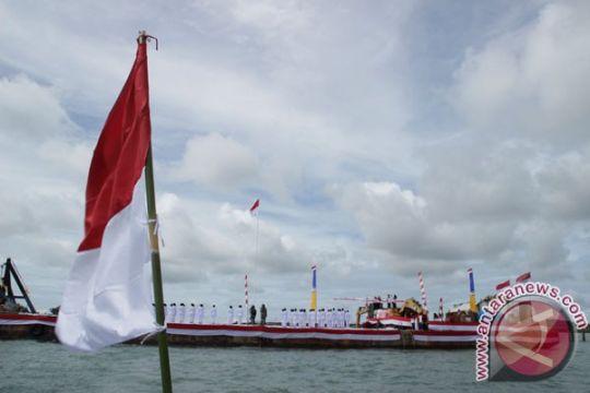 HUT Kemerdekaan di perbatasan undang pejabat dari Malaysia