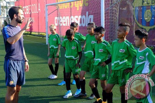 10 siswa SD rasakan berlatih di FCBEscola Barcelona