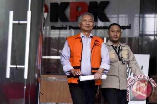 KPK perpanjang penahanan tersangka kasus Ditjen Hubla