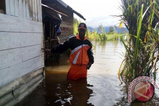 12.000-an korban banjir Paniai terancam kelaparan dan malaria