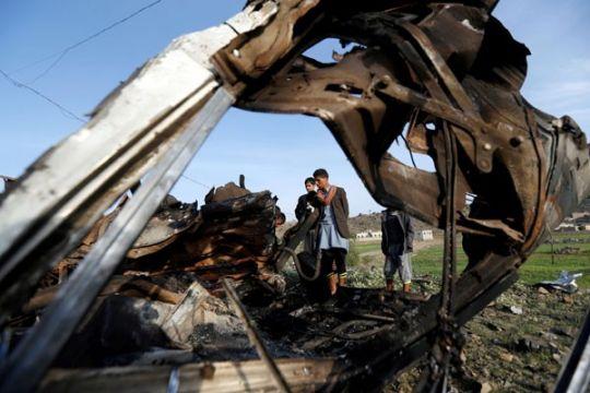 Serangan udara hantam Yaman saat bentrokan menyebar