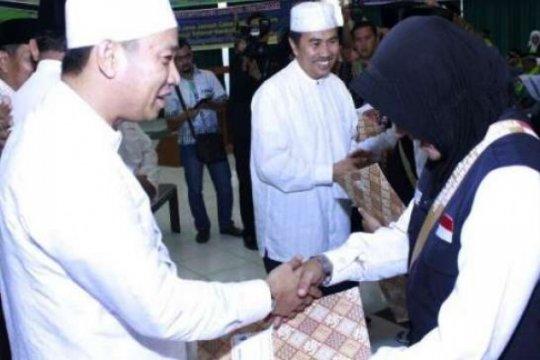 Dari embarkasi haji antara Riau, ratusan calon haji Siak dilepas