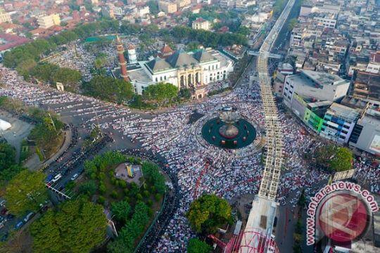 Pesta bakar sate semarakkan Idul Kurban di Palembang