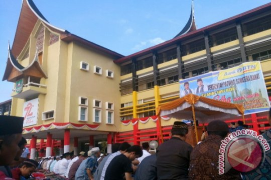 Halaman kantor gubernur Sumbar jadi pusat shalat Idul Adha 1440 H
