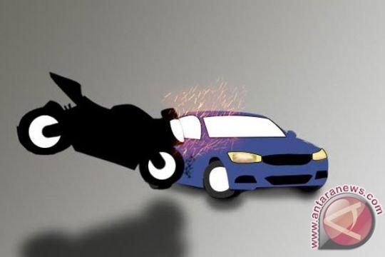 Pelajar nekat bawa mobil lalu tabrak pengendara motor