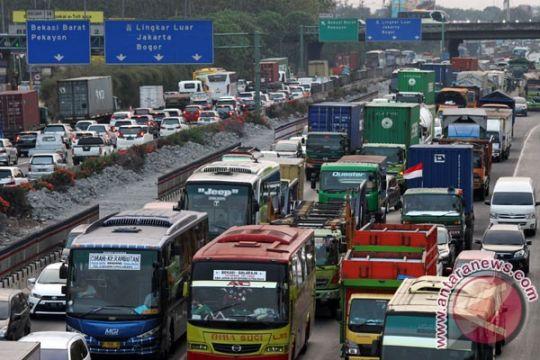 Rekayasa lawan arah Jakarta-Cikampek 13 kilometer