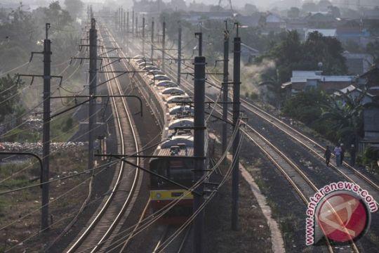 Jalur selatan kereta api kembali normal