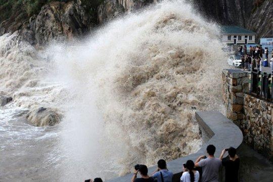 China keluarkan peringatan bahaya super topan Lekima