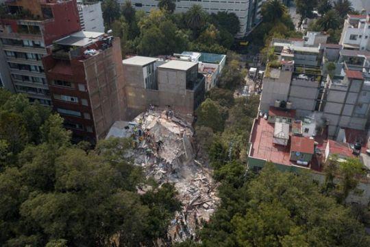 119 orang tewas akibat gempa besar di Meksiko
