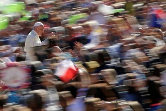 Paus kecam serangan-serangan teror di seluruh dunia