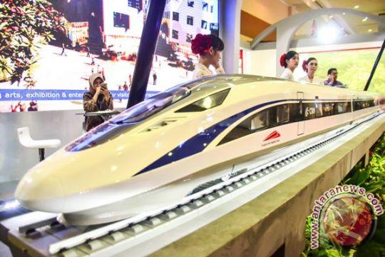 Luhut pastikan kelanjutan proyek kereta cepat Jakarta-Bandung