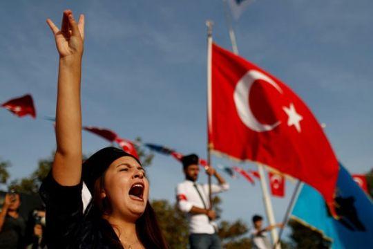 Polisi Turki bubarkan pawai bela hak perempuan