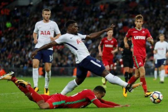 """Gol """"keberuntungan"""" antar Tottenham naik ke empat besar"""