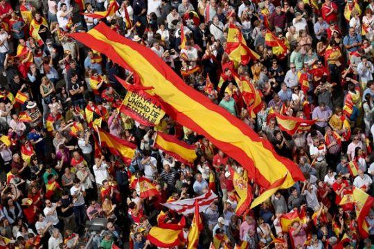 Ratusan orang di Barcelona protes kunjungan Raja Spanyol