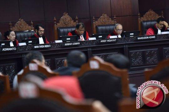 Hakim MK minta bukti lebih detail dalam sengketa Pilkada Kalsel