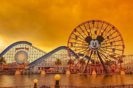 Disneyland California buat aturan baru soal penggunaan masker