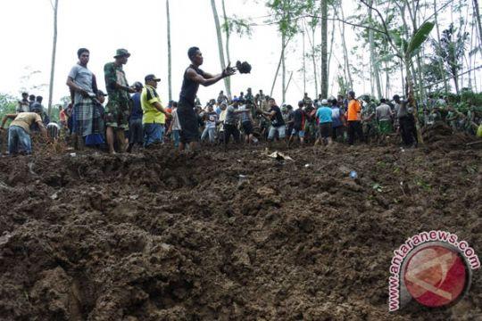 Warga lereng Merapi/Merbabu diimbau waspada tanah longsor