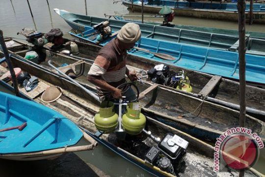Kementerian ESDM bagikan konverter untuk nelayan NTB