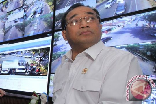 Menhub: jalur KA Bandartinggi - Kualatanjung beroperasi 2018