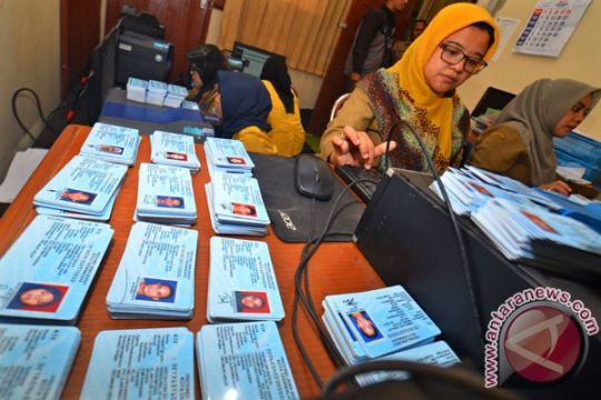 Warga Kabupaten Kupang keluhkan pelayanan KTP-E