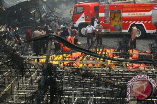 Gudang petasan terbakar tewaskan puluhan orang