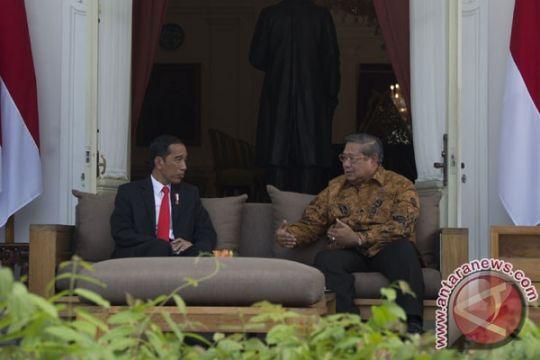 Berita menarik kemarin, Presiden Jokowi bertemu SBY hingga Leila Chudori luncurkan novel kedua
