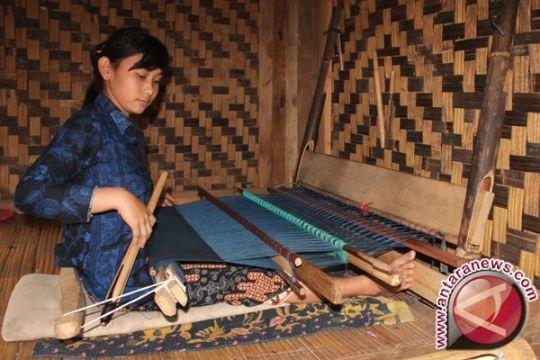 Kerajinan tenun Badui tumbuhkan ekonomi masyarakat lokal