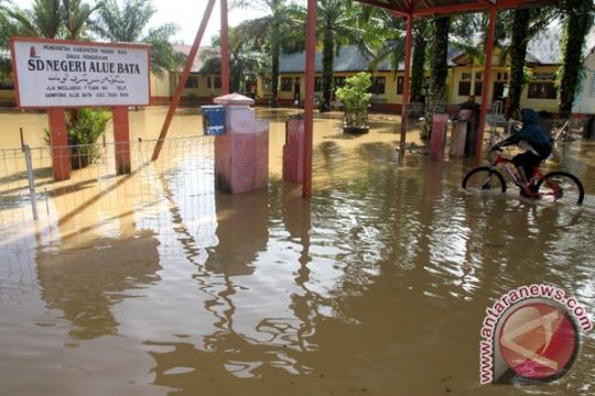 Banjir meluas BPBD Singkil evakuasi warga