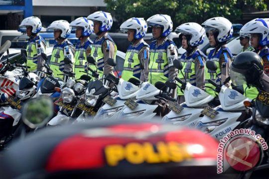 Pelajar Karawang kendarai motor menangis ditilang polisi